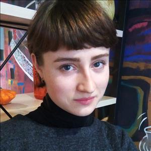 Комарова Анастасія