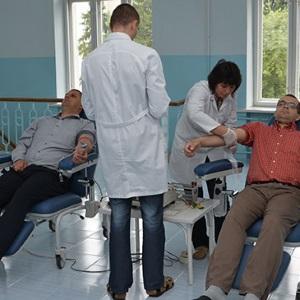 Чому служба крові приймає не всіх і не одразу?