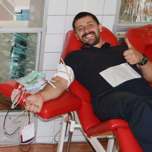 Патрульна поліція Дніпра поділилася своєю кров'ю